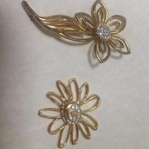 Jewelry - Vintage Flower Brooch & Bob Mackie Flower Finding